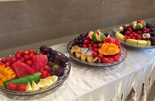 西瓜,葡萄,火龙果,芒果,圣女果,山竹…种类繁多的水果,被做成精图片