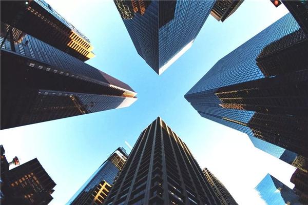 天水市GDP整体下调50亿_50年代天水市街头图片
